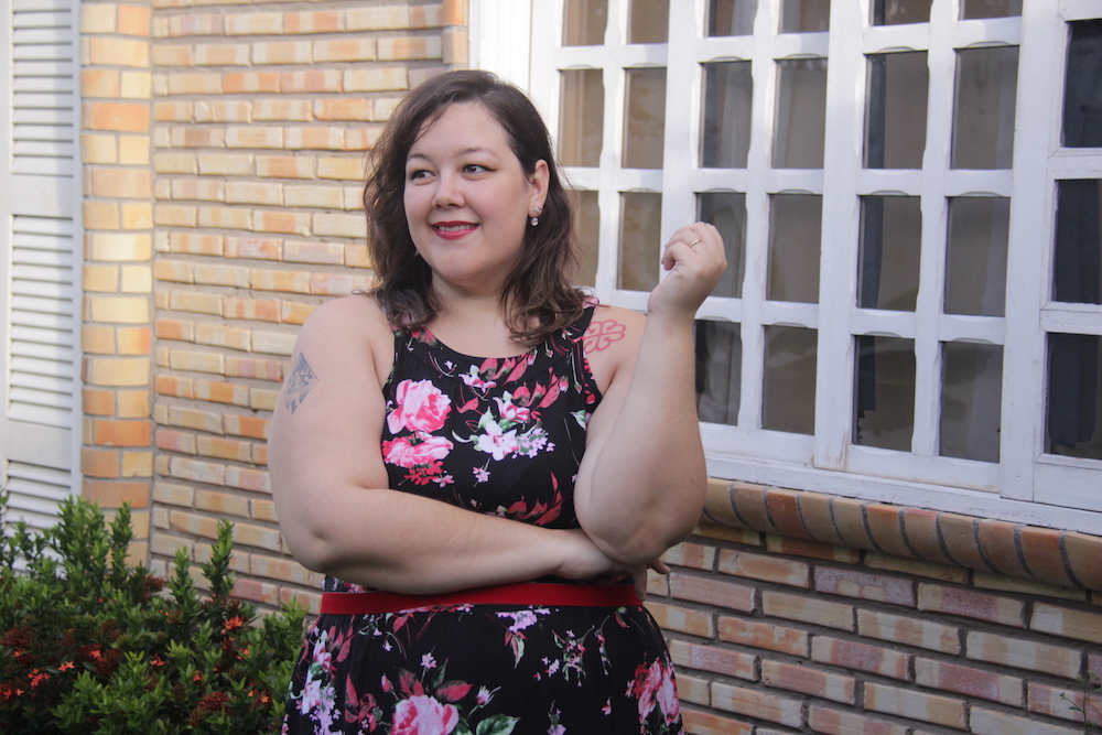 look-plus-size-gk-vestido-floral-destaque