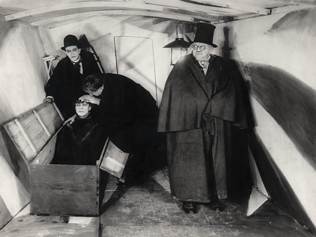"""O malvado e assustador Dr. Caligari, do filme ícone do expressionismo alemão """"O gabinete do dr. Caligari"""""""