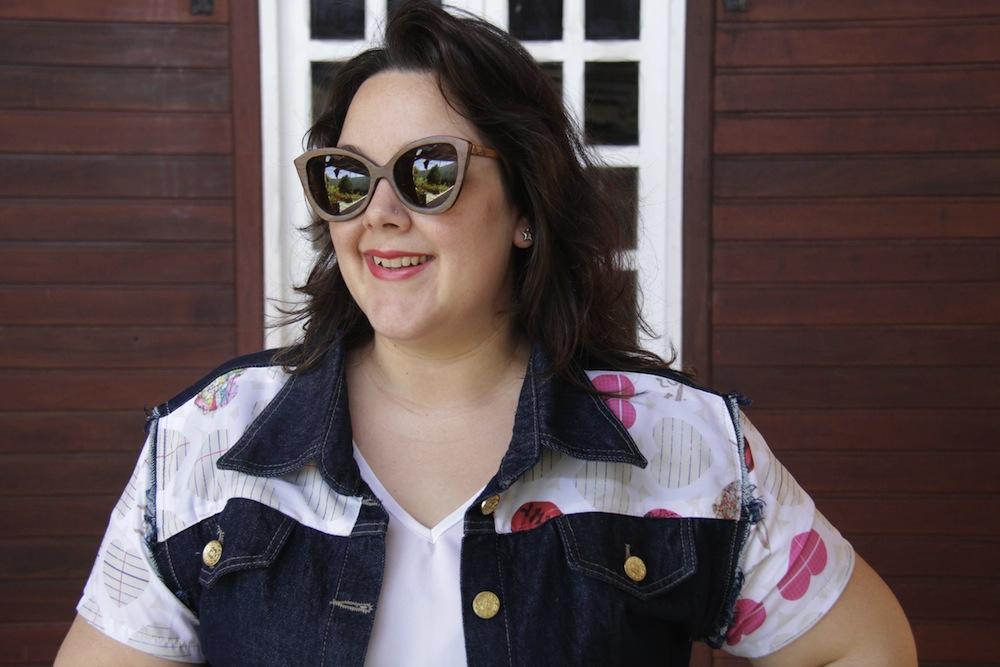 look-plus-size-gk-jaqueta-jeans-calca-flare-oculos