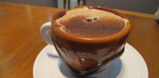 capuccino cafe havanna fortaleza penteadeira amarela