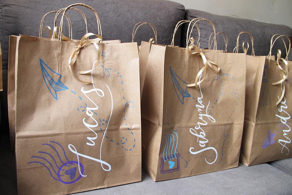 presentes padrinhos casamento larisnoivinha penteadeira amarela embalagem lettering