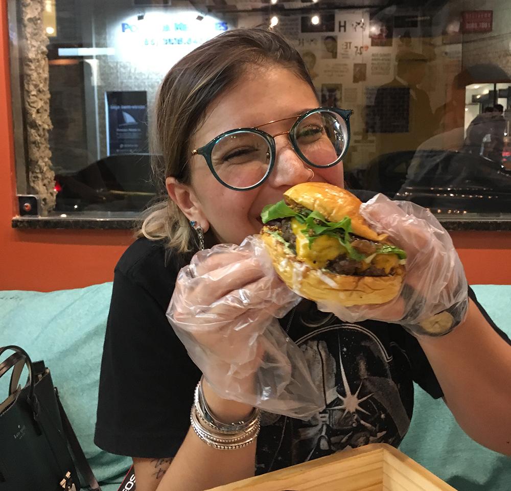 fry day hamburgueria fortaleza penteadeira amarela7