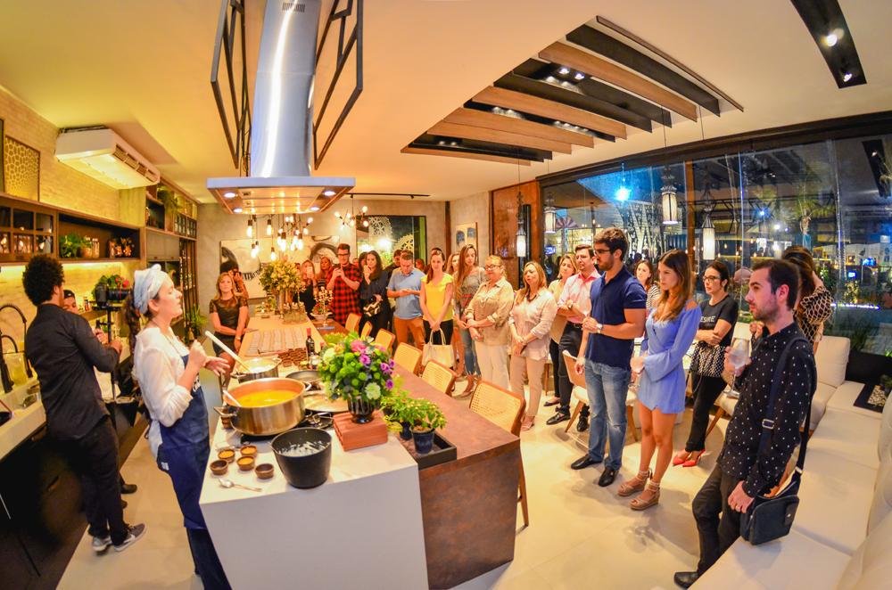 """Chef Liliane explica as receitas no Espaço Gourmet """"Mercado Cultural dos Pinhões"""""""
