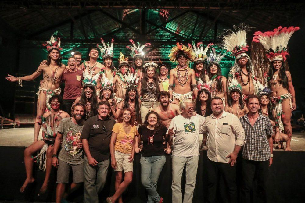 Elenco e Equipe de produção - Foto de Jarbas Oliveira