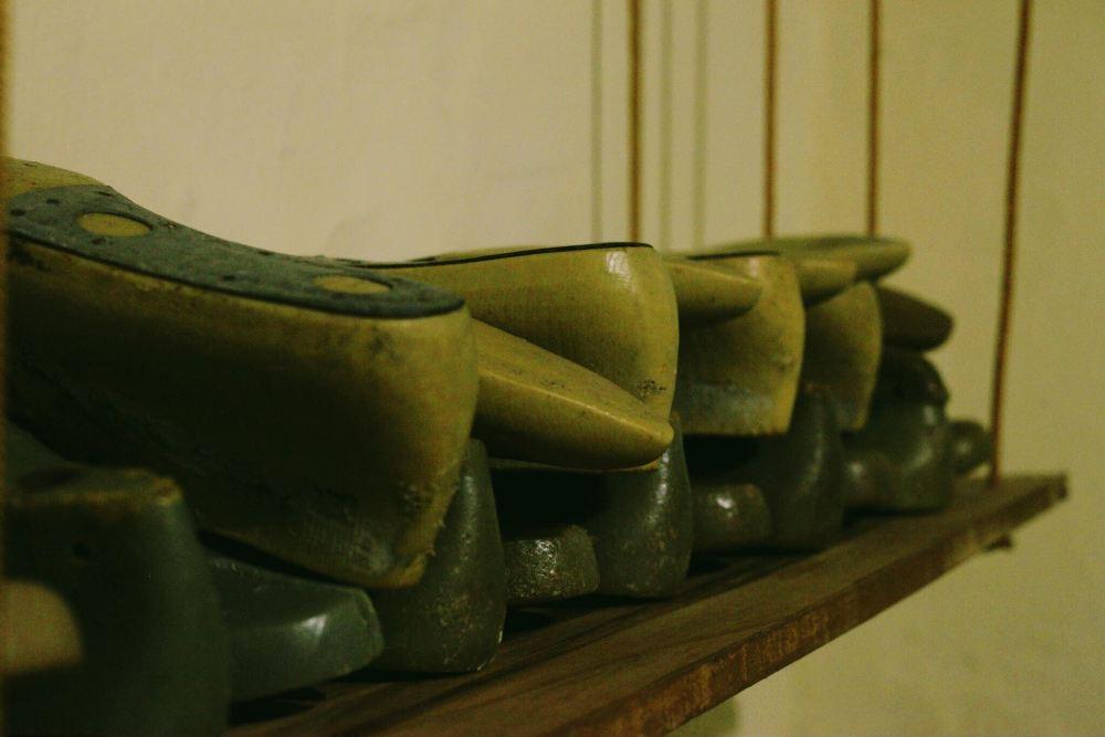 Penteadeira Amarela Oficina de Sapatos1