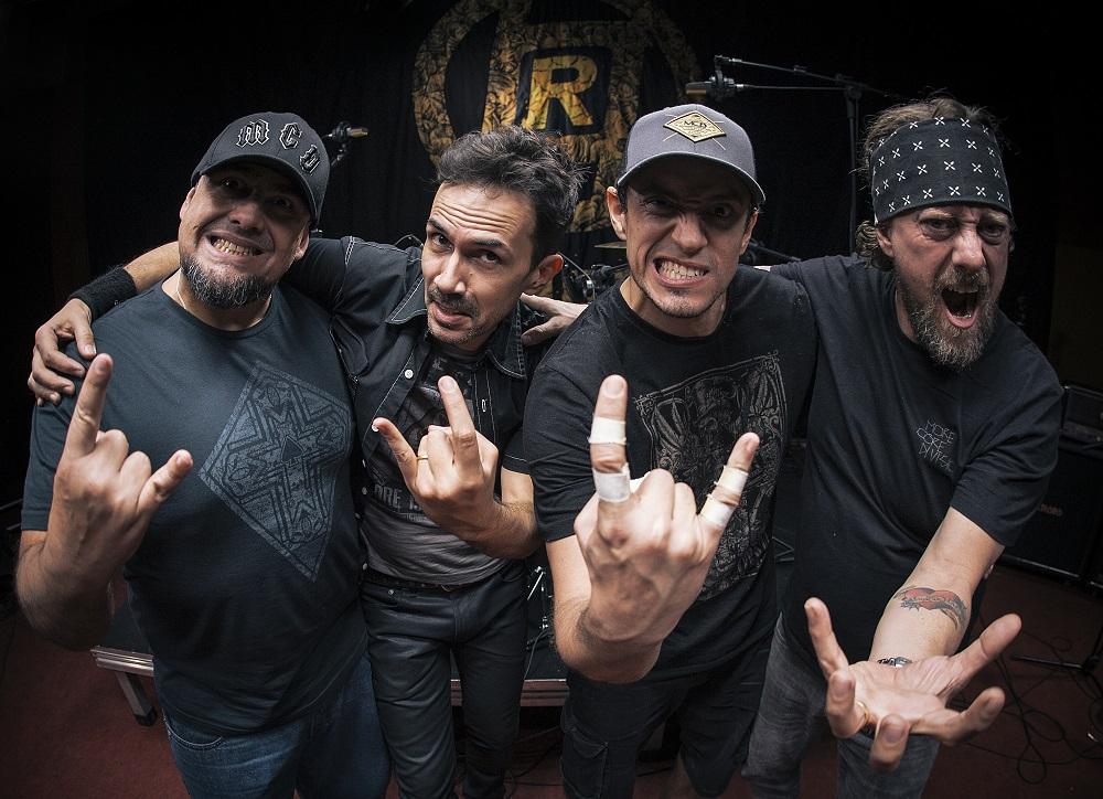 Raimundos apresenta trabalho do DVD Acústico com os grandes sucessos da banda