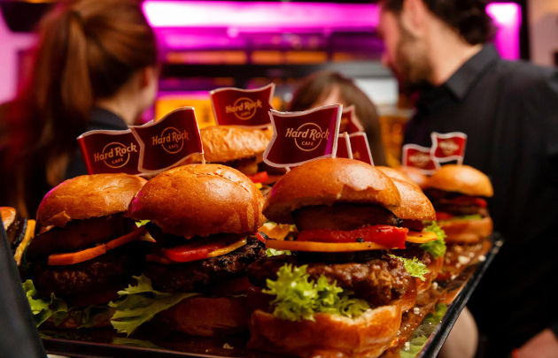 Hard-Rock-Café-Paris-Mini-Burgers-_-630x405-_-©-HRCP