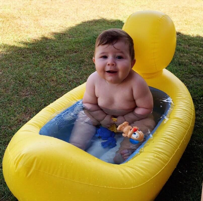 Oscar com 6 meses. Recomendo levar piscininha.
