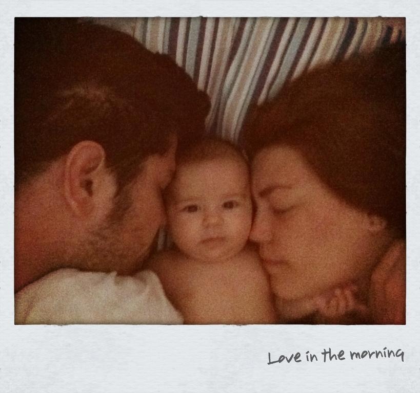 Compartilhando um amor e uma cama