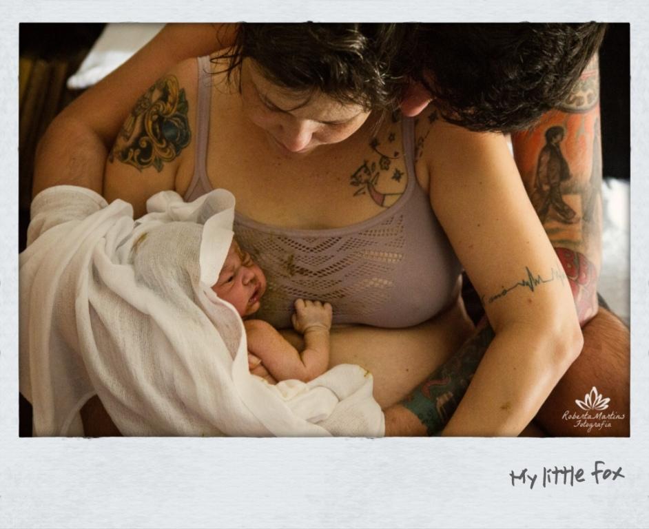 No di do meu parto, não pude trazer Elis mais pra cima porque o cordão umbilical era curto