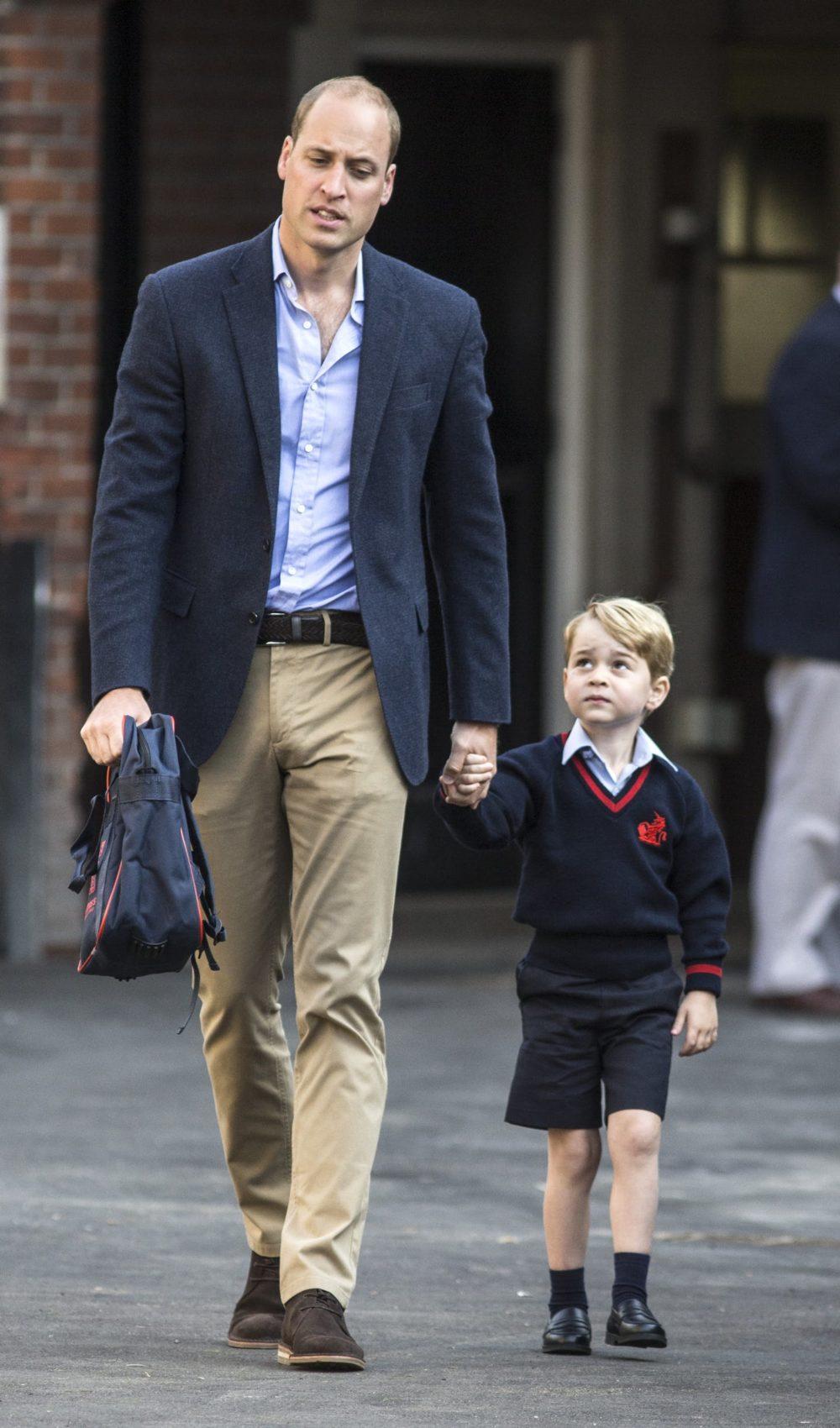 Até a realeza tem suas angustias no primeiro dia de colégio.