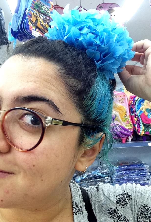 Só pra ver como fica no cabelo, azul pra combinar