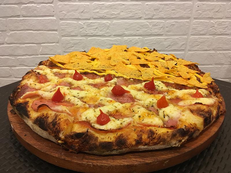 sinhorina pizza gastronomia penteadeira amarela