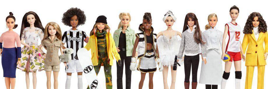 """Bonecas do programa """"Barbie Shero"""" que homenageou 14 mulheres que atuam em diferentes campos e países (Divulgação)"""