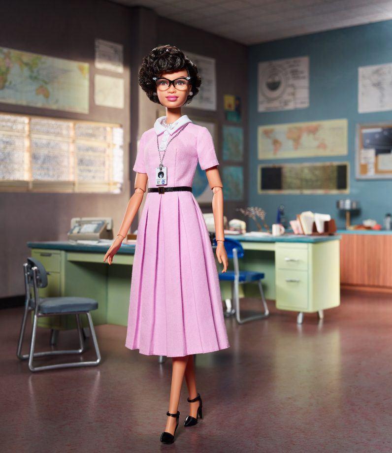 Barbie inspirada em Katherine Johnson, física, cientista espacial e matemática da NASA (Divulgação)