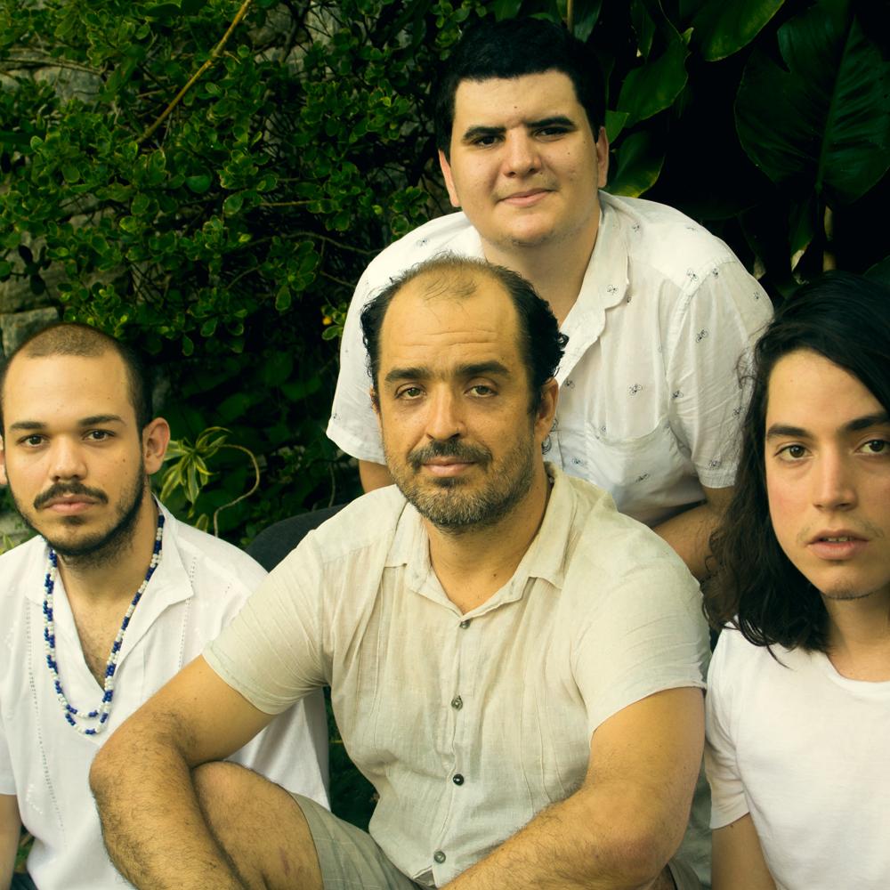 Banda Catumbeat se apresenta hoje na festa BATEU