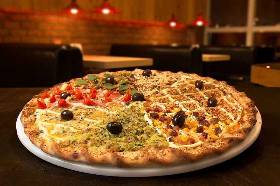 hot box pizza 45cm mesa penteadeira amarela destaque
