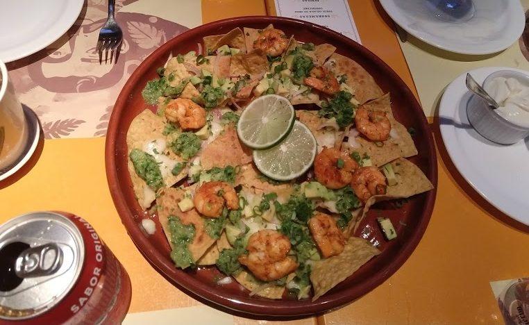 nachos com camarão