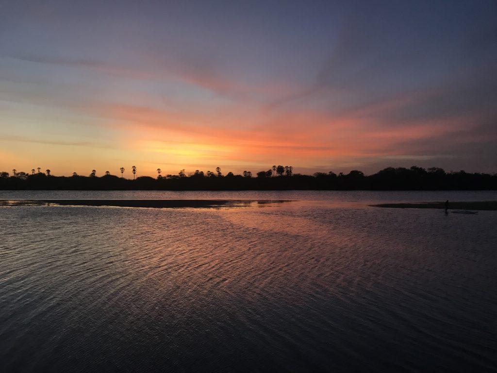 Pôr do sol no rio Jaguaribe