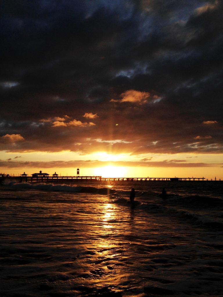 Pôr-do-sol na Praia dos Crush