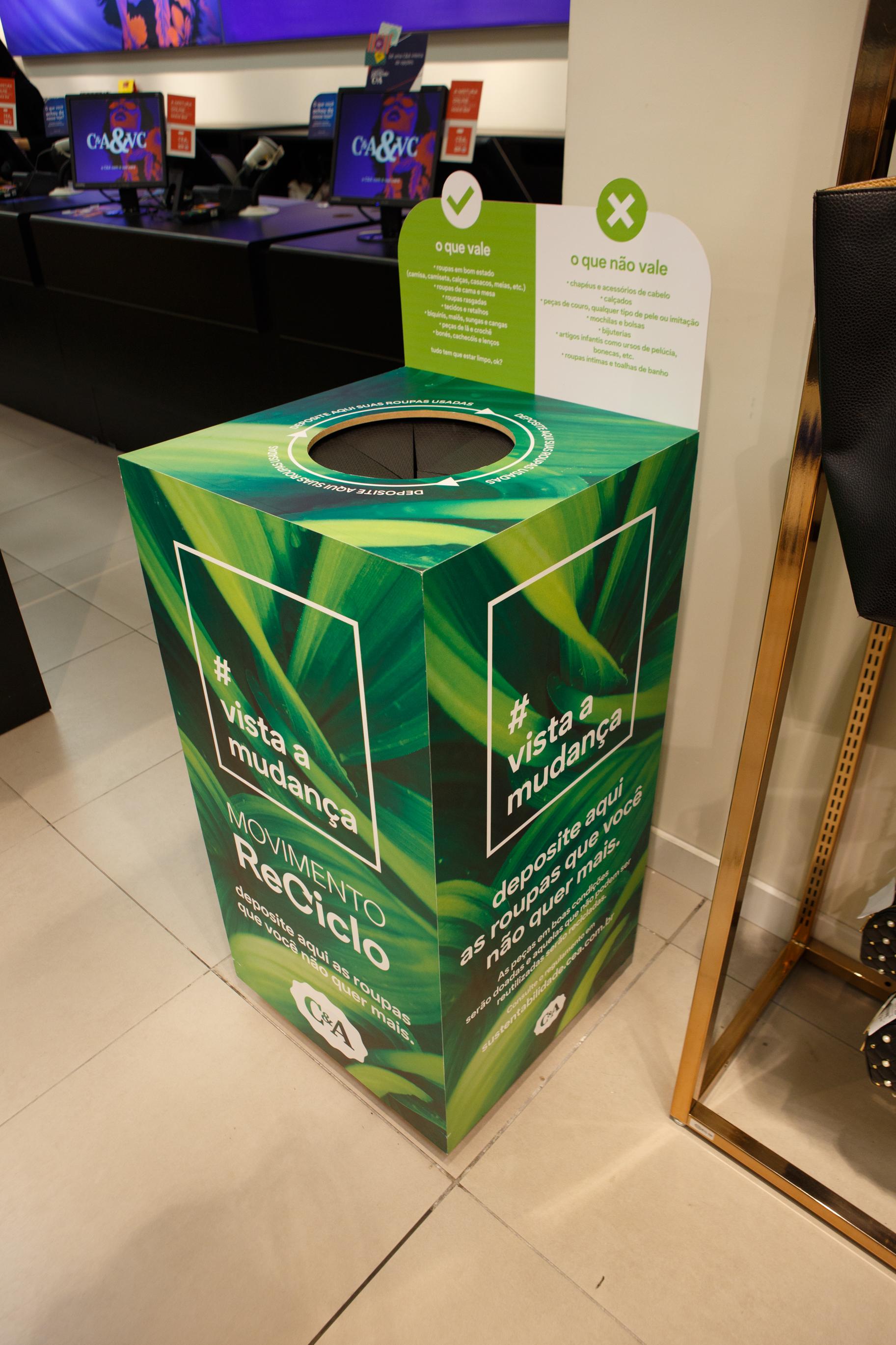 Contâiner do movimento ReCiclo nas lojas da C&A