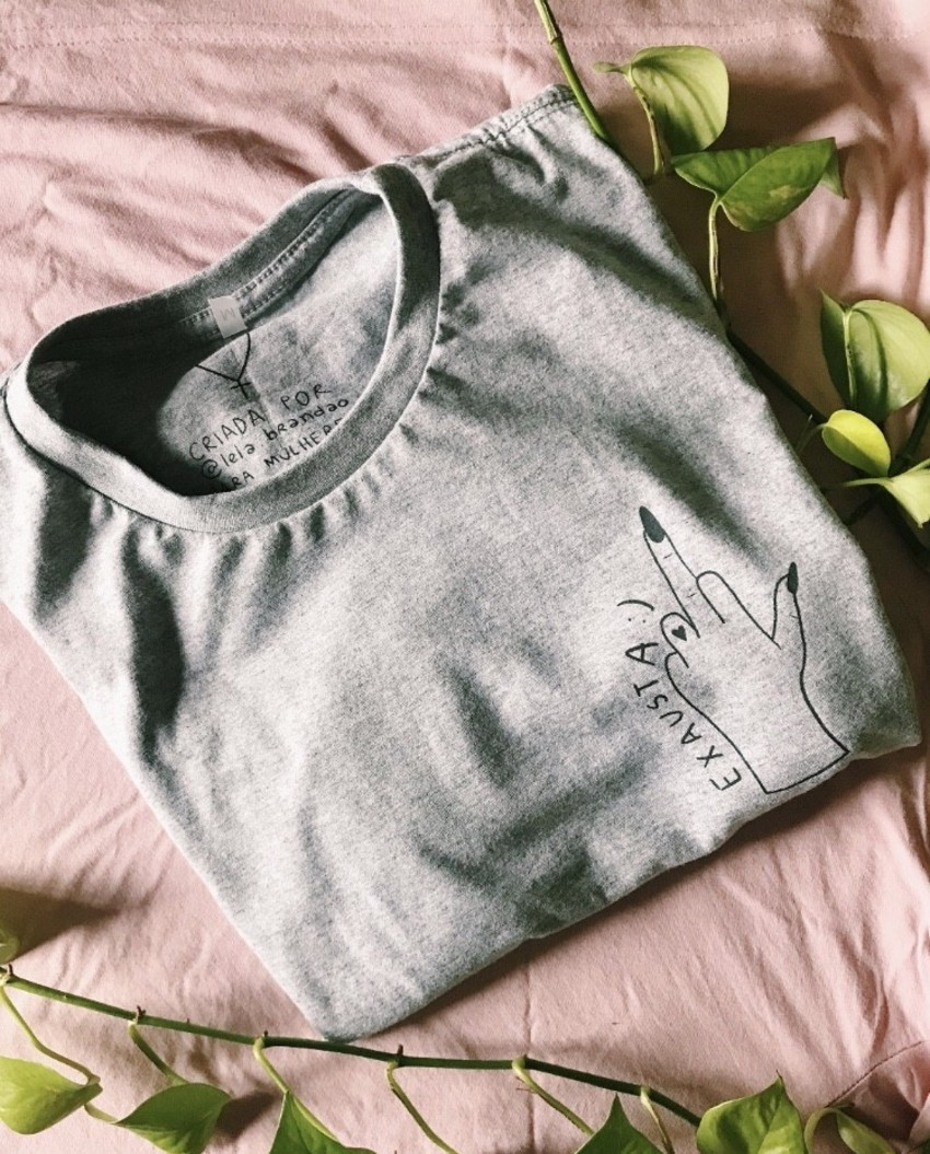 lela-brandao-camiseta-exausta