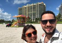 miami-beach-south-beach-ocean-drive-laris-na-florida-penteadeira-amarela