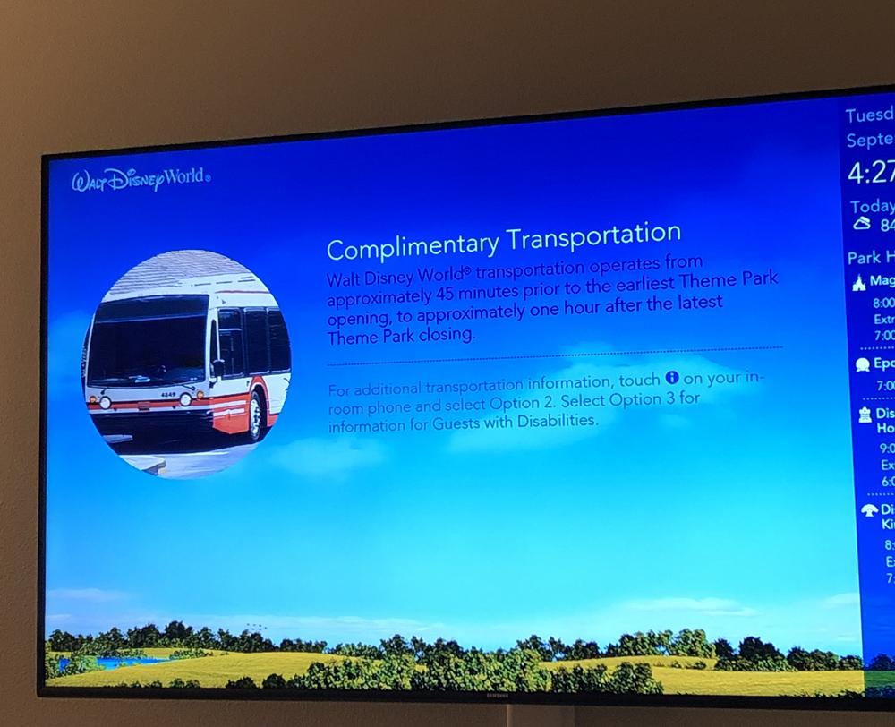 As TVs exibem um canal próprio com informações dos hotéis, parques etc